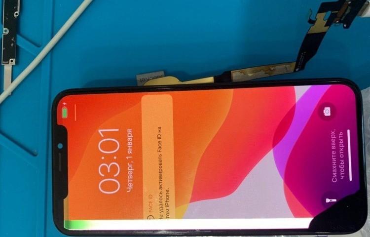 Айфон 10 подключенный к 3uTools